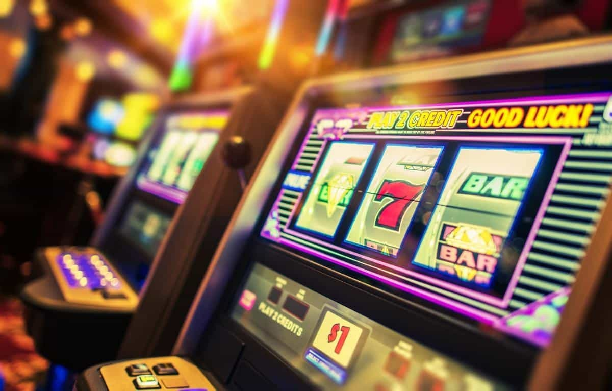 How to Read the Odds When Betting at a Casino